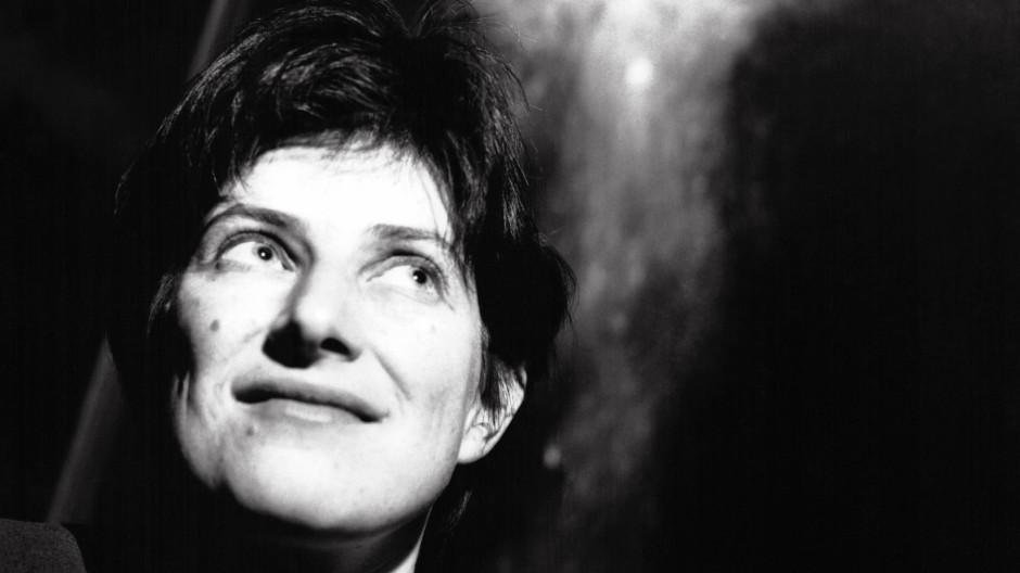 """Sie schuf im Kino, wie die """"New York Times"""" einmal schrieb, das """"erste Meisterwerk des Weiblichen"""": Chantal Akermann (1950 - 2015)."""