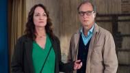 """Machen Sie mal eine typische Handbewegung: Natalia Wörner und Martin Brambach in """"Unter anderen Umständen""""."""
