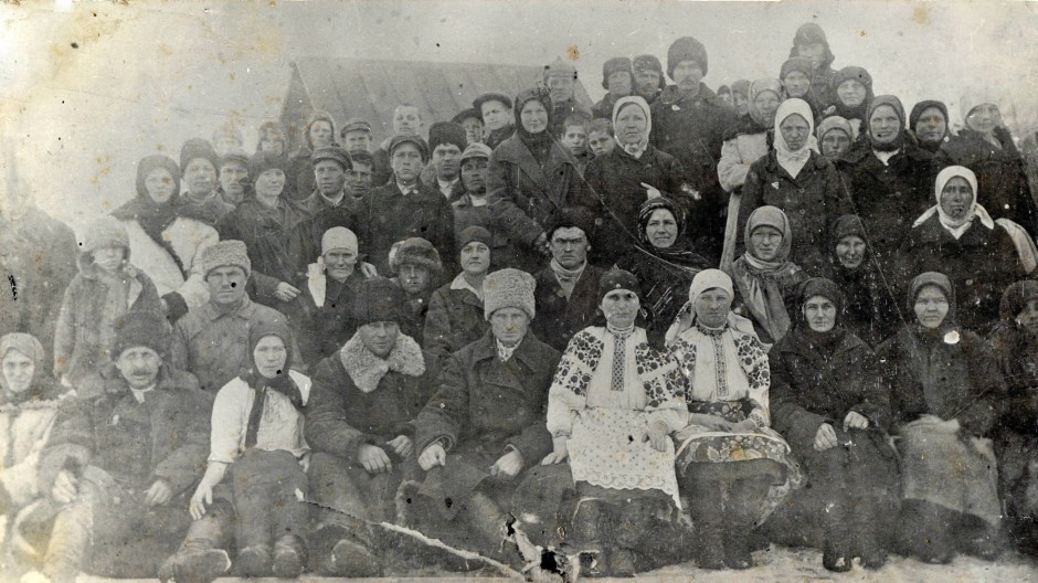 Überlebende der Hungersnot, die Stalin 1932 und 1933 über die Ukraine brachte, in der Ortschaft Krasylivka, aufgenommen im Jahr 1934.