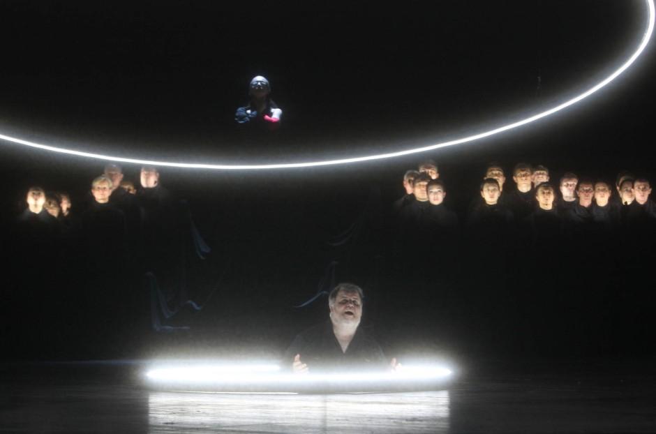 Licht im Dunkeln: Szene aus der Oper von Albéric Magnard.