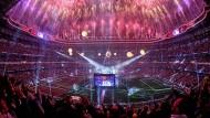 Beim Fußball, wissen die Programmveranstalter, ist man nie im falschen Film: Blick in die Madrider Bernabéu-Arena beim Champions-League-Finale vor zwei Jahren.