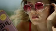Undurchsichtig: Ada (Tori Anderson) verfolgt ihr ganz eigenes Ziel.