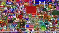 """Fliesenlegen 2.0: Auf """"reddit"""" kachelten Abertausende von Nutzern eine leere Fläche (Ausschnitt)."""