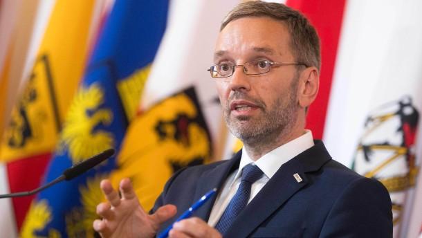 Kurz will FPÖ-Innenminister Kickl loswerden