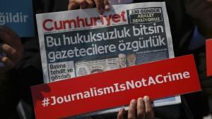 Drei Journalisten in der Türkei verhaftet