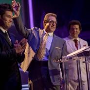 Familiengottesdienst: Eli Gemstone (John Goodman, Mitte) mit seinen Söhnen Jesse (Danny McBride, rechts) und Kelvin (Adam DeVine).