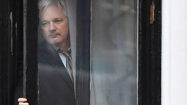 Verliert Julian Assange jetzt sein Exil?