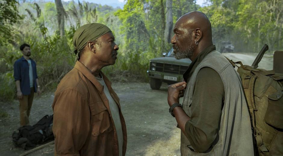 """Da geht es lang: Clarke Peters (links) und Delroy Lindo in """"Da 5 Bloods""""."""