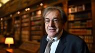 In der Würdigung des Polizisten Arnaud Beltrame sieht er einen ersten Sieg über den Terror: Der Philosoph Alain Finkielkraut.