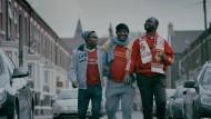 You'll never walk alone: Vereint in der Liebe zu einem englischen Club, besuchen Fans aus dem bürgerkriegsversehrten Ruanda ein Spiel des FC Liverpool.