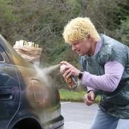 Goldjunge: Michael Fenne (Steve Zahn) lackiert sein Auto um.