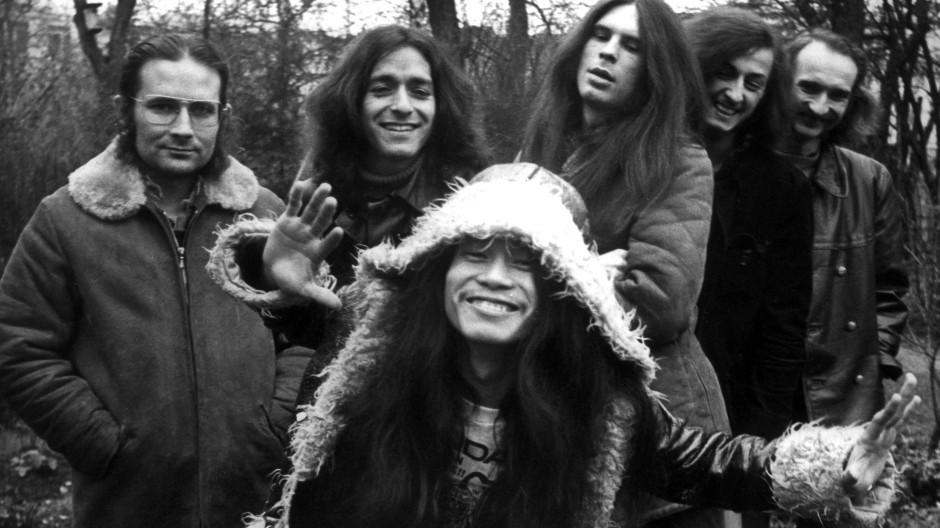 """Originalbesetzung: Die Band """"Can"""", aufgenommen 1971, mit Holger Czukay ganz rechts im Bild."""