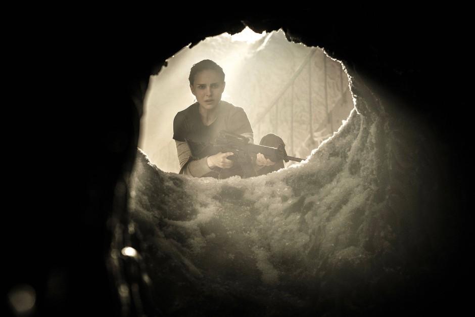 In der Hölle gibt's die schönsten Rollen: Lena (Natalie Portman) schaut in den Bauch der wahnsinnig gewordenen Biologie.