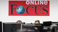 """Nicht nur einmal: Exklusiv recherchierte Beiträge der """"Bild""""-Journalisten sollen kurz nach ihrem Erscheinen auf """"Focus Online"""" aufgetaucht sein."""