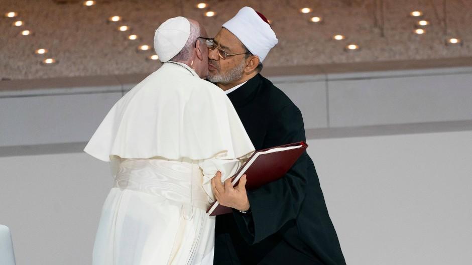 Papst Franziskus und Ahmad Muhammed al Tayyeb bei einem Treffen im Februar 2019 in den Vereinigten Arabischen Emiraten.