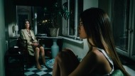 Sie verfolgt sie in Träumen und Gedanken: Tochter Marie (Zoe Moore, rechts) geht Freya Becker (Iris Berben) nicht aus dem Sinn.