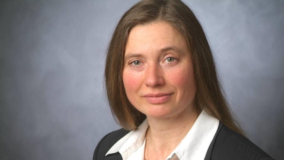Brigitta Herrmann ist Professorin für Globalisierung, Entwicklungspolitik und Ethik an der Cologne Business School