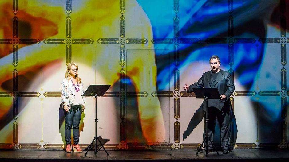 """Von den wechselnden Gesangspaarungen konnte jene von """"Senza sangue"""" mehr begeistern: Andrea Mélath und Csaba Szegedi"""