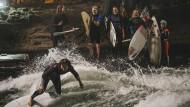 An in den Eisbach: Die Münchner Kommissare ermitteln diesmal in der Szene der Stadt-Surfer.