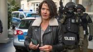Mittendrin und leicht angeschlagen: Kommissarin Lena Odenthal (Ulrike Folkerts).