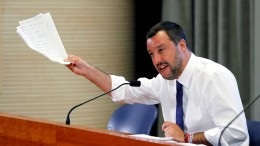 Italiens Regierung hat was übrig für Meinungsfreiheit