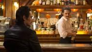 Einer schenkt ein, der andere teilt aus: James Franco spielt die Zwillingsbrüder Vince und Frankie – Barmänner mit Ambitionen.
