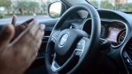 Da hilft nur noch beten: Die elektronische Ausstattung macht den Jeep Cherokee attraktiv - und angreifbar.