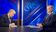 Da scheinen sie ein Herz und eine Seele: Donald Trump und Bill O`Reilly.