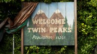 Nur scheinbar die perfekte Idylle: In Twin Peaks ist nichts so, wie der erste Eindruck es verheißt.