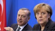 Wer sagt was, wer hat das Sagen? Recep Tayyip Erdogan und Angela Merkel.