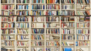 Mal sehen, was in Umberto Ecos Büchern steht