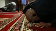 Freitagsgebet: Gläubige in der Moschee im französischen Cherbourg-Octeville.