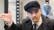 Kommt uns doch irgendwie bekannt vor: Der Russe Viktor Popow verdingt sich als Lenin-Doppelgänger.
