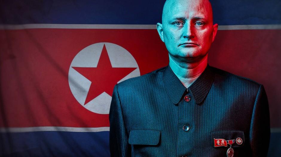 Nur scheinbar linientreu: Ein Däne infiltriert Nordkorea und führt vor, wie das Regime die Welt zum Narren hält.