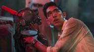 Dev Patel als nerdiger Schöpfer von Chappie.