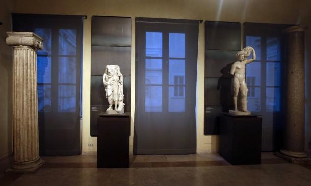 Das hätte Rohani gesehen: die Statue eines Schäfers und die eines Fauns.