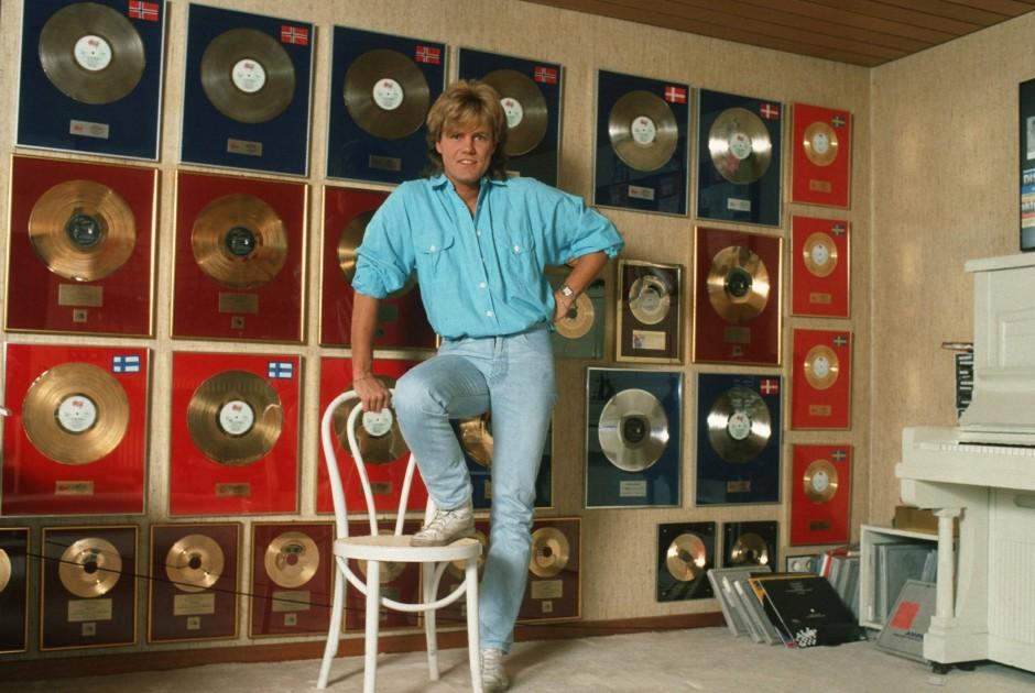 Bildergalerie dieter bohlen er war nicht immer so bild 9 von 11 faz - Schallplatten wand ...