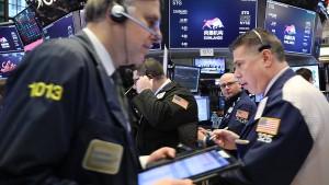 Anleger reißen sich um Dropbox-Aktien