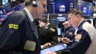 Die New Yorker Aktienhändler haben am Freitag viel zu tun.