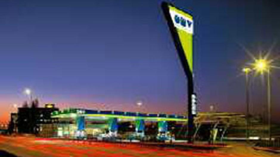 OMV verdient unter anderem Geld mit Tankstellen