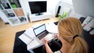 Schön gemütlich von Zuhause arbeiten war einmal, der Trend geht wieder zur Büroarbeit.