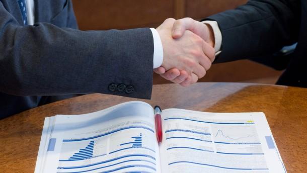 Anleger entdecken Beratungsplattformen im Netz