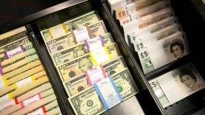 Versicherungen wollen Geld in Tresoren bunkern