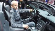 Daimler-Chef Dieter Zetsche führt mit Erfolg den Stuttgarter Autokonzern und verdient entsprechend gut.