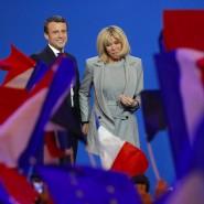 Er sorgt für Erleichteurng an Europas Börsen: Der französische Präsidentschaftskandidat Emmanuel Macron und seine Frau Brigitte.