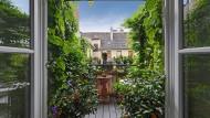Es grünt nach Süden: Balkon eines Münchener Altbaus