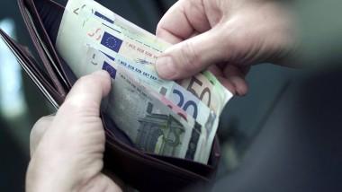 Wer die beim Abschluss eines Verbraucherkredits erhobenen Bearbeitungsgebühren zurückfordern will, sollte sich bis Ende des Jahres beschweren.