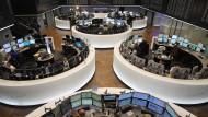 VW-Aktie führt Dax ins Plus