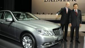 Daimler auf Sparkurs - Aktie profitiert