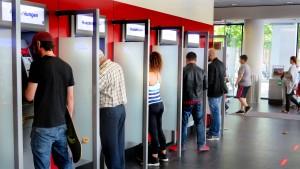 """Andrang an Geldautomaten entspannt sich"""
